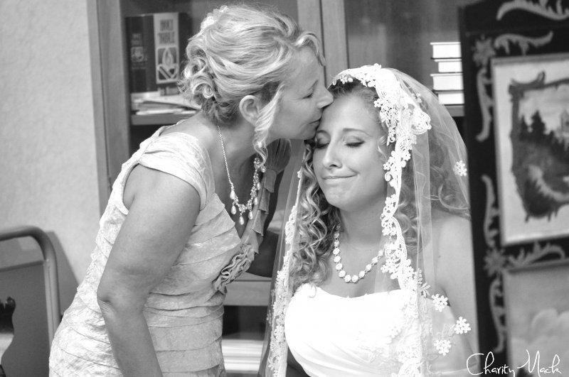 Momma Noel Kiss